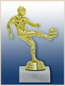 СТК футболист мяч на ноге (h - 13 см)