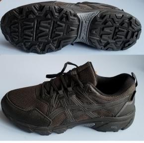Кроссовки для бега ASICS GEL-VENTURE 8 WP 1011A825-001