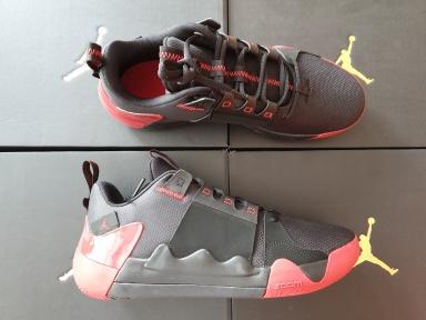 Баскетбольные кроссовки JORDAN ZOOM ZERO GRAVITY AO9027-006